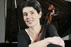 Juliane Schmutzler, Cello